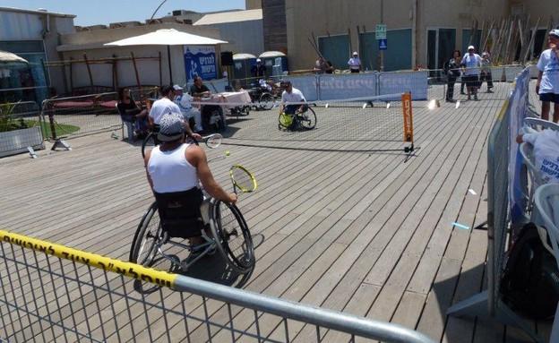 משחק טניס להגברת נגישות (צילום: יובל מוסקוביץ)