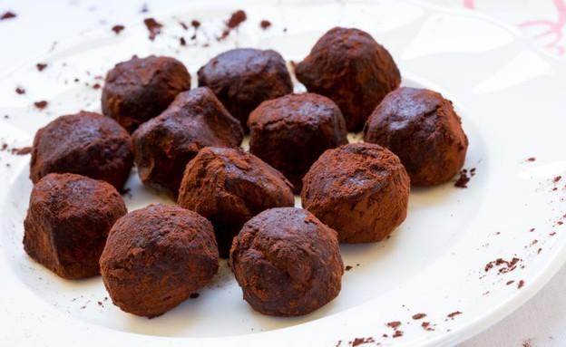 טראפלס שוקולד ונוגט (צילום: בני גם זו לטובה ,אוכל טוב)