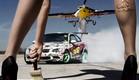 מכונית דריפטים מול מטוס פעלולים