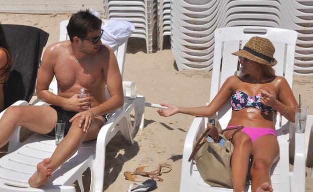 טום קשתי והחברה ספיר מבלים בים ביחד (צילום: צ'ינו פפראצי ,mako)