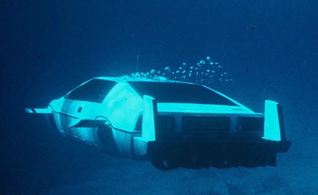 מכונית צוללת (צילום: יוטיוב )