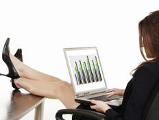 אישה עובדת (צילום: Thinkstock ,Thinkstock)