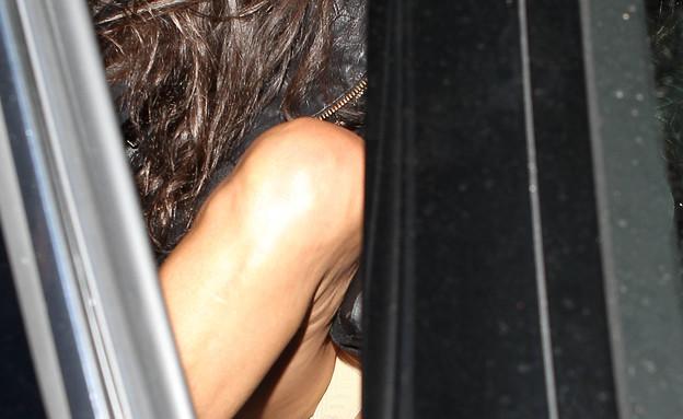 דמי מור חושפת תחתונים (צילום: splash news)