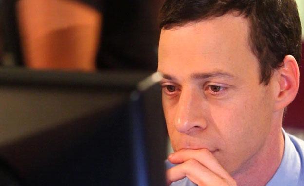 עשור לוויקיפדיה העברית: עמית סגל על הוועדה לשירותי (צילום: חדשות 2)
