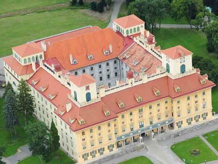 אסטרהזי, הונגריה למשפחות, קרדיט The-Esterhzy-Palace