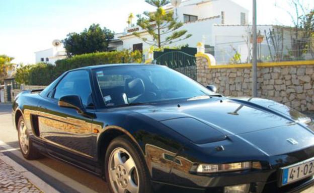 המכונית של איירטון סנה למכירה באיביי