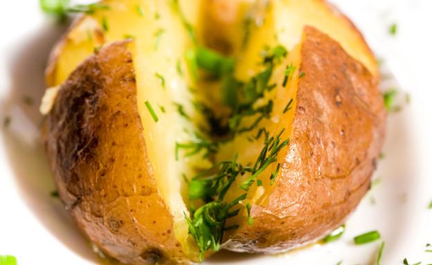 תפוח אדמה אפוי (צילום: istockphoto ,istockphoto)