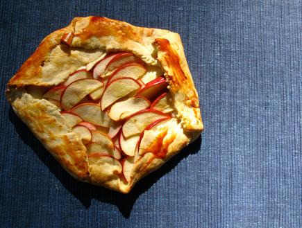 טארט גבינת עיזים ותפוחים