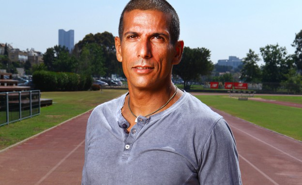 המאמן גלעד קובו ילמד אתכם לרוץ מרתון (יח``צ: אלדד רפאלי)