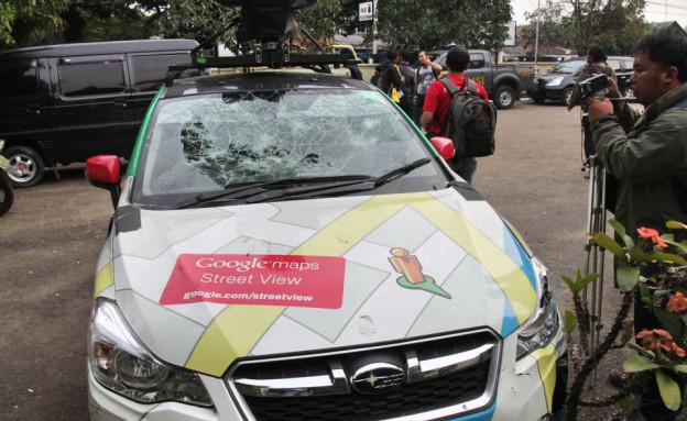מכונית הסטריט וויו לאחר התאונה באינדונזיה (צילום: פורום Kaskus ,פורום Kaskus)