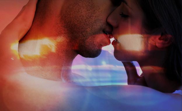 נשיקה על רקע משטרתי (צילום: אימג'בנק / Thinkstock)