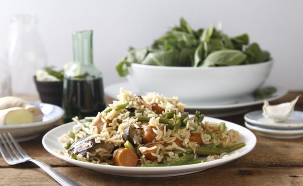 אורז בסמטי עם נקניקיות בניחוח ג'ינג'ר (צילום: אפיק גבאי ,אוכל טוב)