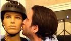 עידו רוזנבלום רומנטי עם הבובה של חייו (צילום: עידו רוזנבלום ,instagram)