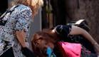 המטפלת המתעללת ברחוב (תמונת AVI: mako)