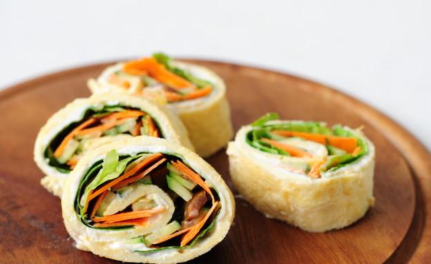 חביתה מגולגלת עם ירקות (צילום: שרית נובק ,אוכל טוב)