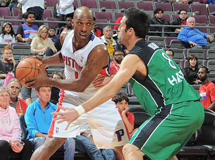יבזורי. האימונים עם קבוצות ה-NBA עזרו? (gettyiages)