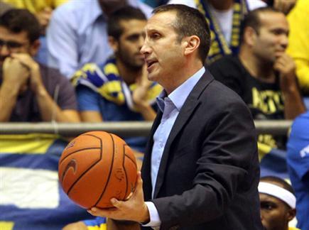 בלאט, הכדור בידיים שלו (אלן שיבר)