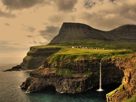 כפר באיי פארו, הכפרים היפים