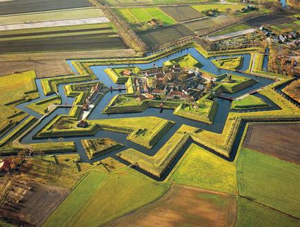 פורט בורטנג, הולנד, כפרים יפים