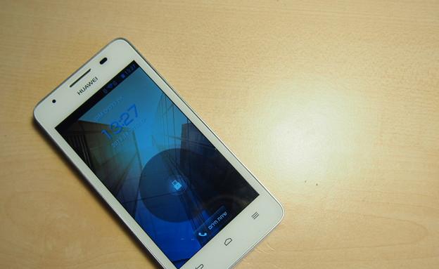 Huawei G510 (צילום: ניב ליליאן)
