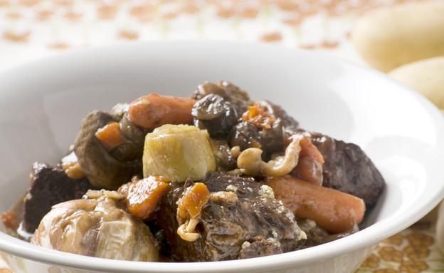 קדירת בקר ביין אדום עם ירקות שורש ופטריות (צילום: משק 8 ,יחסי ציבור)