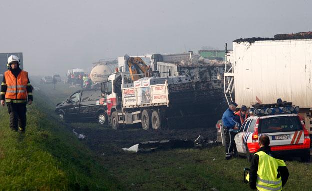 הרוג ו-54 פצועים בתאונה במערב המדינה (צילום: רויטרס)