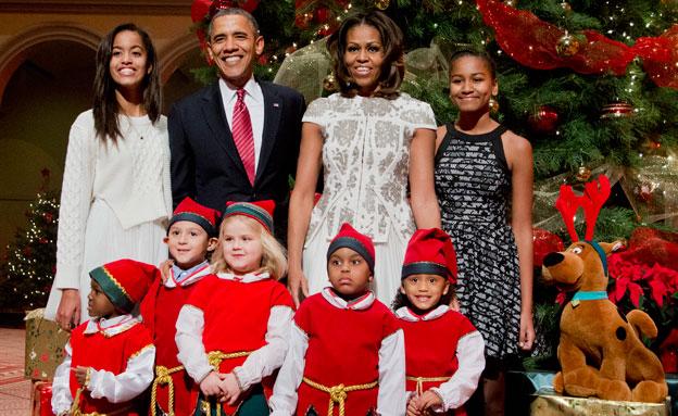 משפחת אובמה מפגינה אחדות (צילום: AP)