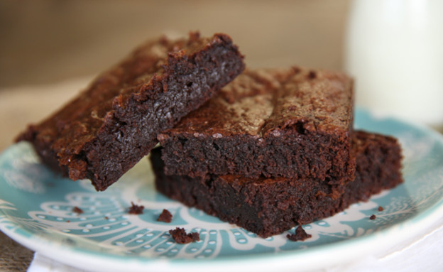 שוקולד בראוני ourbestbites (צילום: ourbestbites)