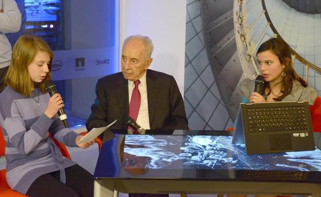 הנשיא שמעון פרס בביקור במיקרוסופט ישראל