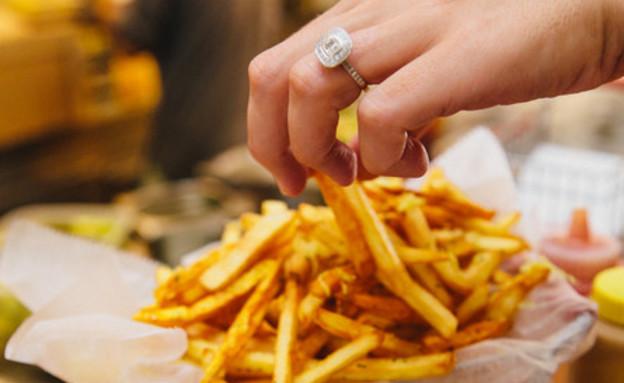 צ'יפס תפוחי אדמה ובטטות של הוויטרינה (צילום: יחסי ציבור ,אוכל טוב)