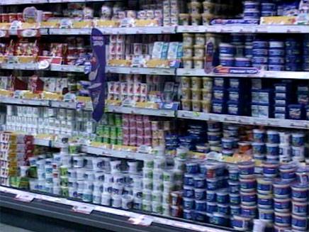לפתח את המשק לייבוא חלב. אילוסטרציה (צילום: חדשות 2)