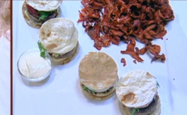 המבורגר בלאפה של נוף עתמאנה איסמאיל(mako)