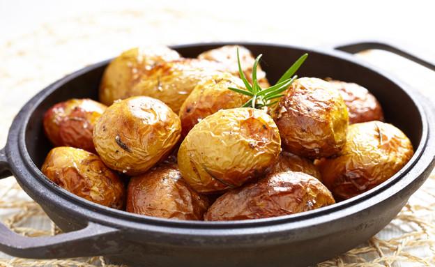 תפוחי אדמה צלויים (צילום: istockphoto ,istockphoto)