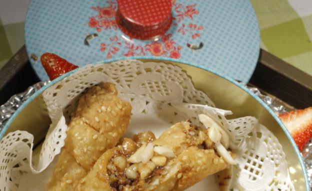 עוגיות שומשום במילוי פיסטוקים ושקדים של ריקי סויסה (צילום: דניאל בר און ,mako)