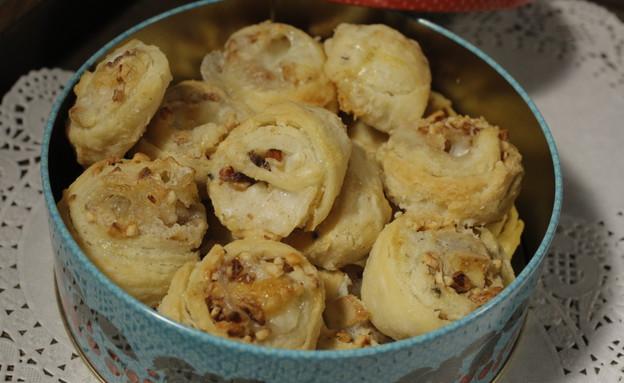 שושני בצק פריך במילוי גבינות של צילה עופר (צילום: דניאל בר און ,mako)