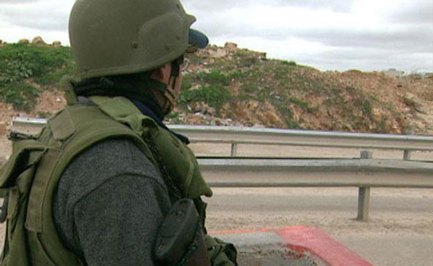 פלסטיני נורה לאחר שניסה לחבל בגדר. ארכיון (צילום: חדשות 2)