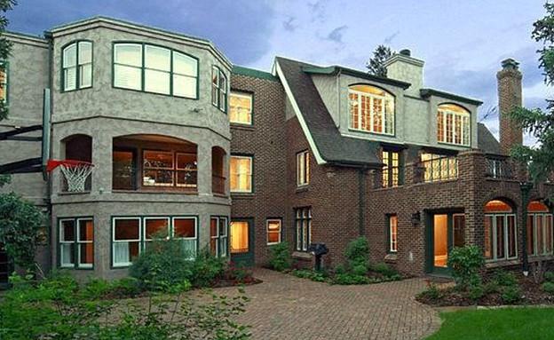 ג'ון בנט רמסי, חוץ דשא (צילום: zillow.com)