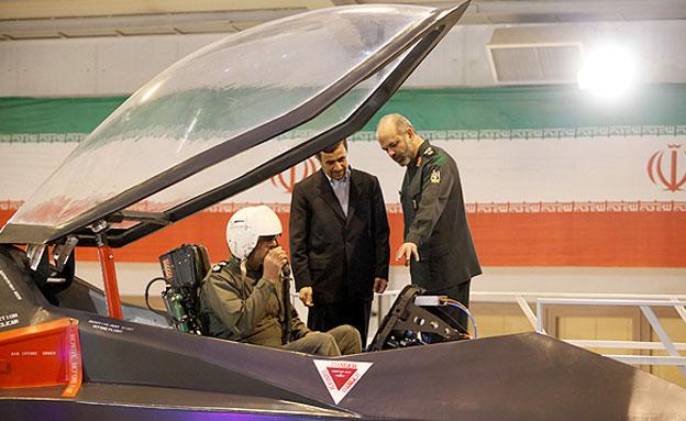 הנשיא לשעבר אחמדינג'אד בתצוגת תכלית. ארכיון (צילום: חדשות 2)