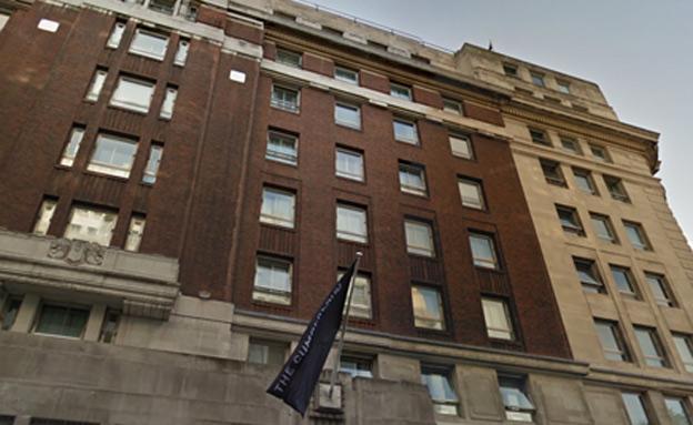 המלון בו התרחשה התקיפה (צילום: google street view)