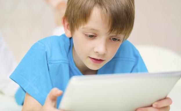 ילד מול מחשב (צילום: אימג'בנק / Thinkstock)