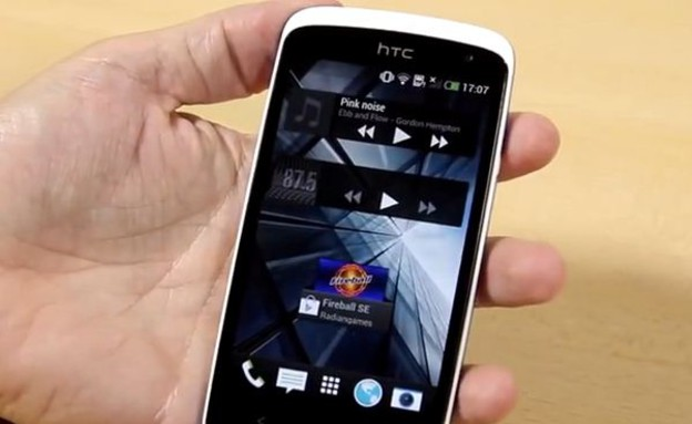 הסמארטפון HTC  Desire 500 (צילום: PhoneArena)