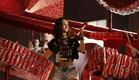 הופעה עם אייטמים ממוחזרים במתחם המחזור של קוקה קול (צילום: עומר ברק)