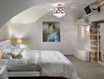 סוויטות עתיקות - מגדלור מיטה