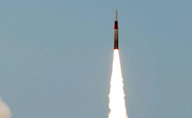 הטיל מסוגל לשאת ראש נפץ גריעני (צילום: AP)