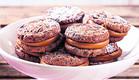 עוגיות מוקה־שוקולד במילוי לוטוס (צילום: כפיר חרבי ,לוטוס)