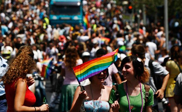 כמאה אלף צפויים להגיע למצעד הגאווה (צילום: AP)