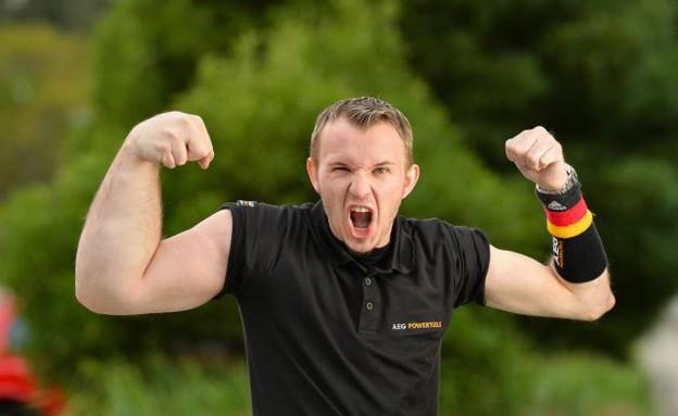 זרוע חזקה (צילום: dailymail.co.uk)