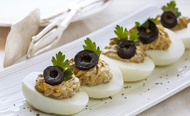 סירות ביצים ממולאות (צילום: אסף אמברם ,אוכל טוב)