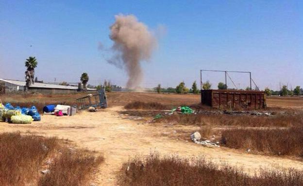 """חיילים נערכים למבצע """"צוק איתן"""" (צילום: גיא גרשטיין)"""