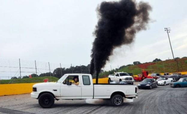 עשן שחור טנדרים רדנקס (צילום: יוטיוב )